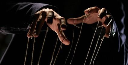 Manipulation-sommes-nous-manipulés-424x218